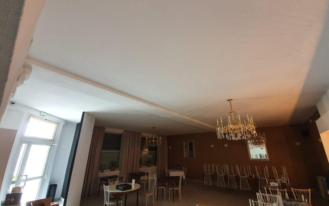 Isolation et réalisation d'un plafond dans un restaurant à Maizières-Les-Metz